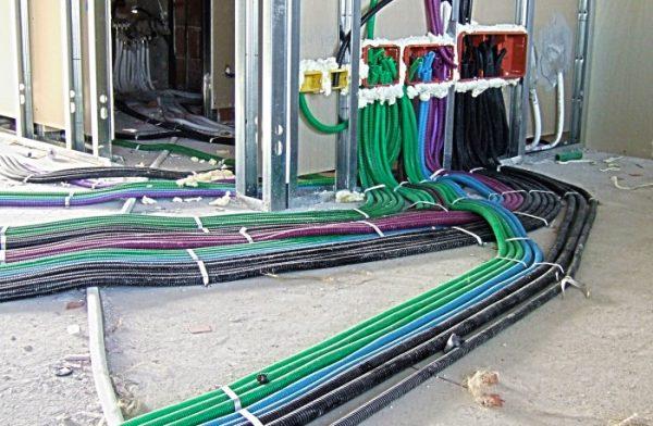 impianto elettrico 600x392 - Servizi